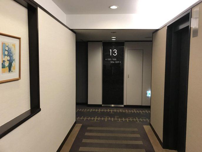 ホテル廊下1