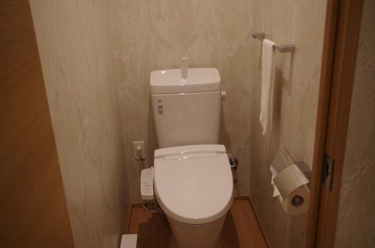 セパレートのトイレ