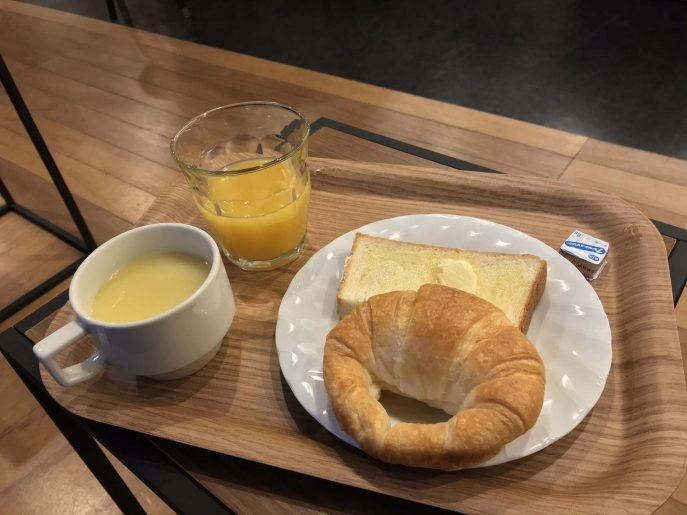 パンとスープと飲み物