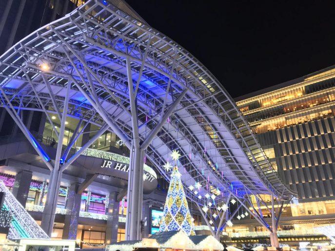 クリスマスシーズン前の博多駅