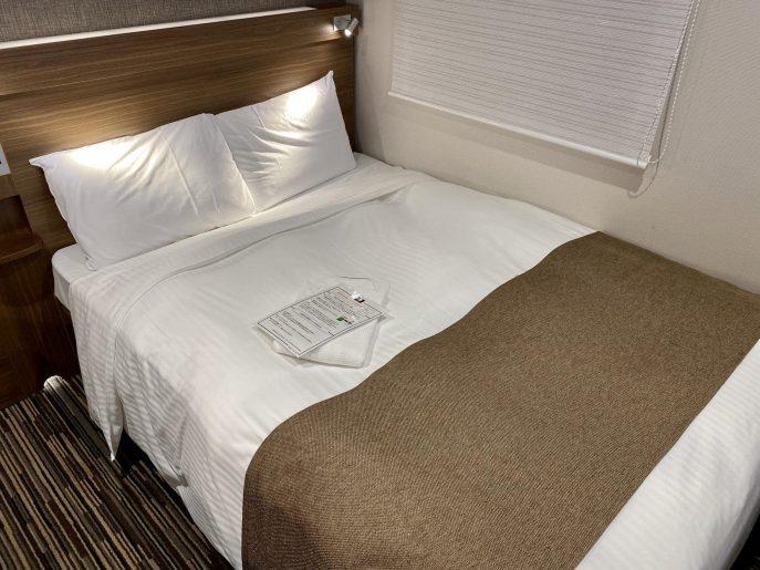 高密度スプリングマットレスを使ったベッド