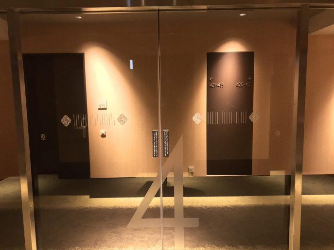 各階に自動ドア