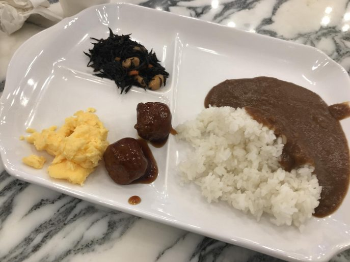 朝食のカレー