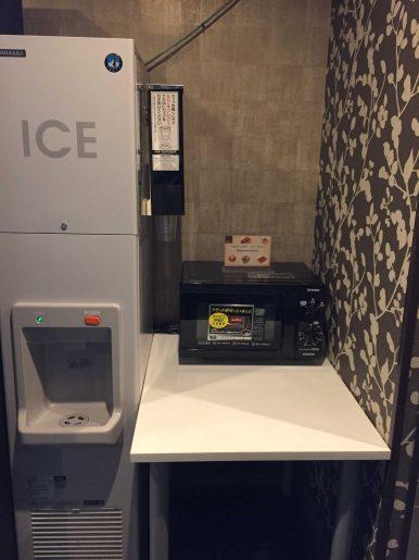 製氷機と電子レンジ
