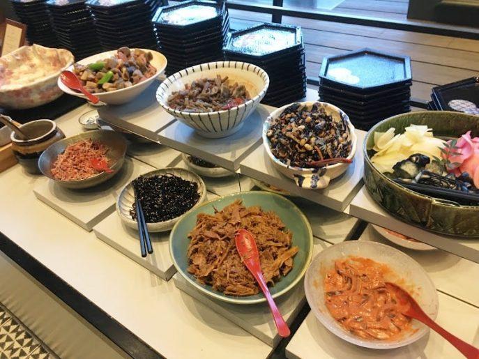 和食の朝食ビュッフェ