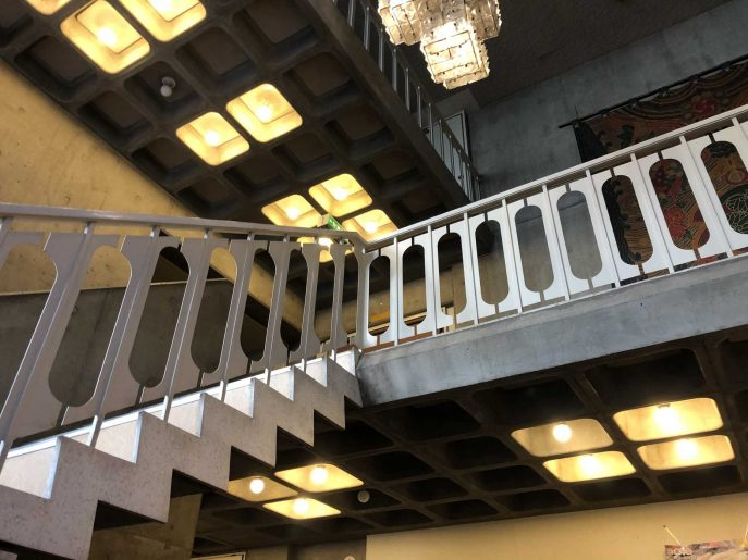 2階へ上がる階段