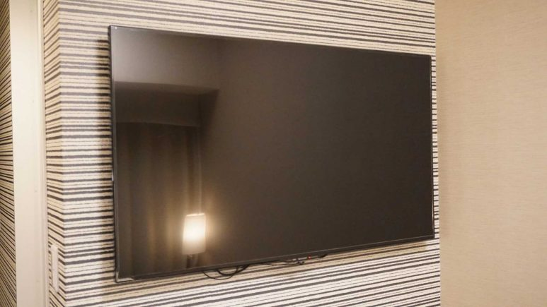 50型壁掛けテレビ