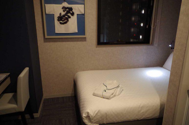 シングルルームの客室