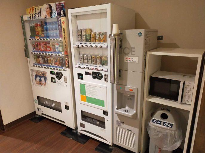 自動販売機と製氷機