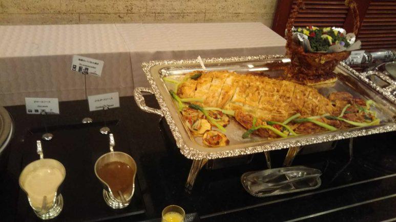 海鮮パイ包み焼き