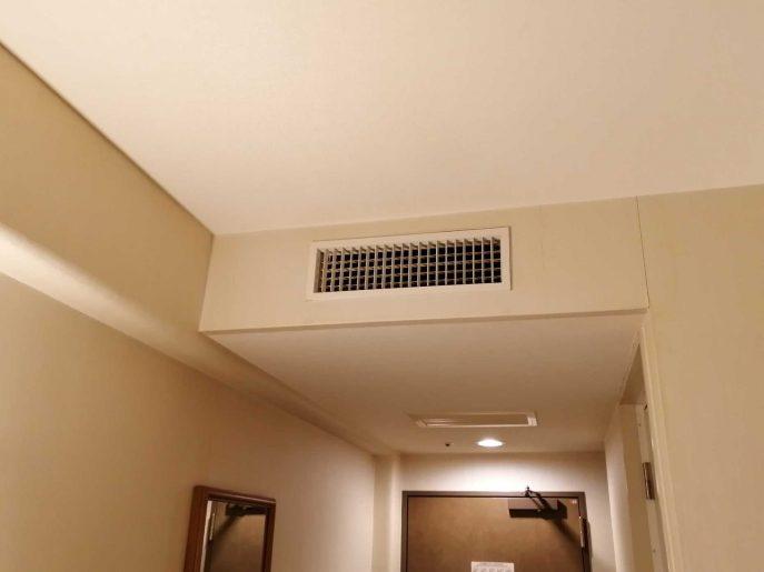 天井に空調
