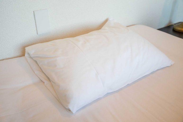 平たくて柔らかい枕