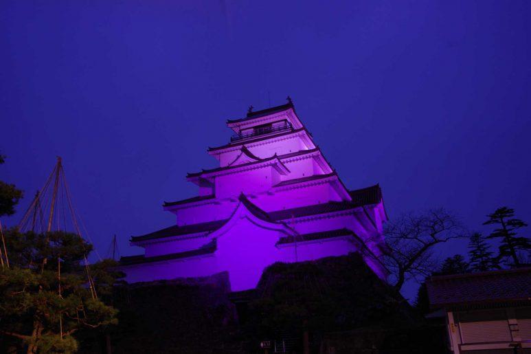 ライトアップされた鶴ヶ城